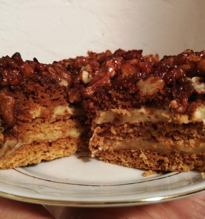 Ciasto z orzechami i miodem