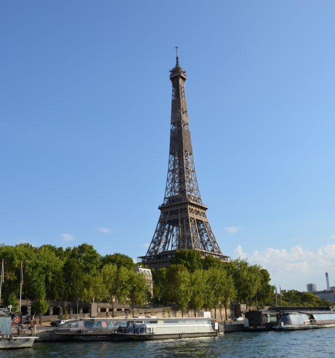 Paryż jak pajęczyna...